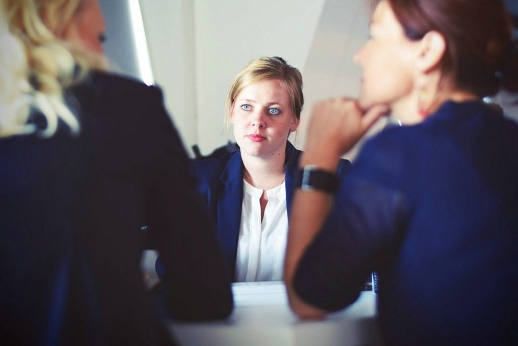 o-que-perguntar-em-entrevista-a-secretaria